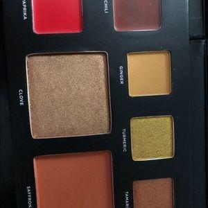 Eyeshadow palette deck of scarlet